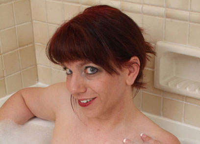 Wendy Summers takes a bubble bath