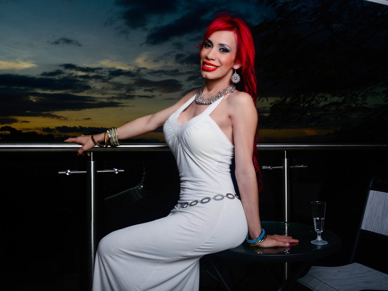 TS Deviant Queen in a White Dress