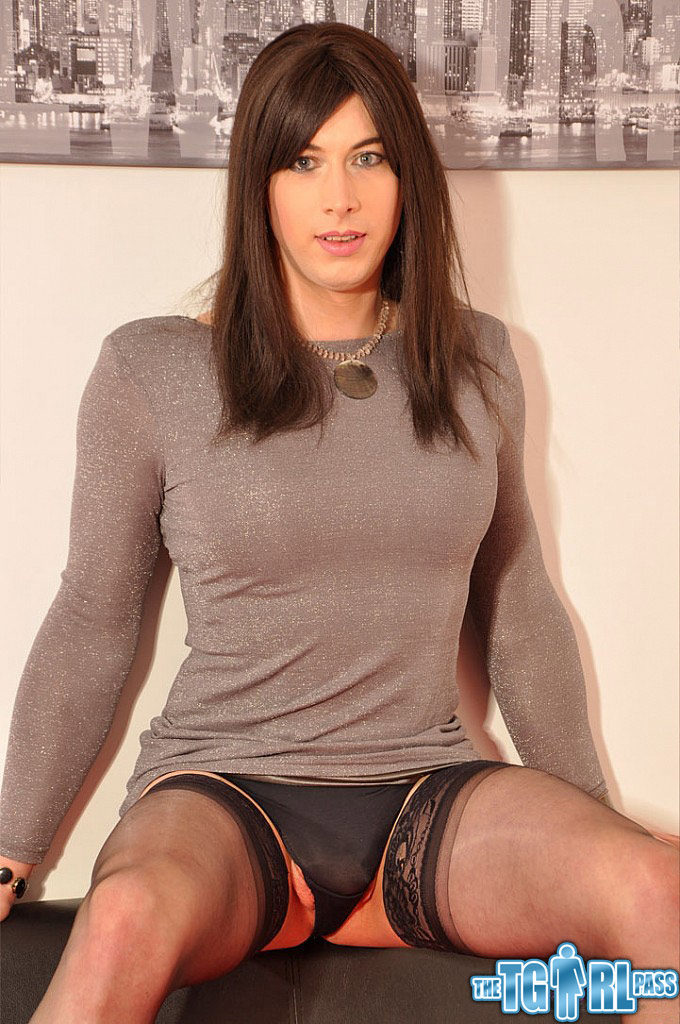 Amateur college tgirl in stockings